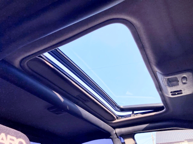 SUNROOF OF GC35 LAUREL.
