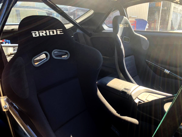 BRIDE FUL BUCKET SEATS.