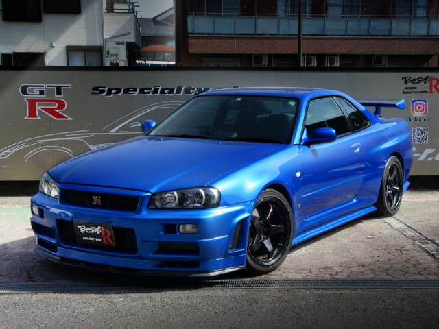 FRONT EXTERIOR OF R34 GT-R BAYSIDE BLUE.