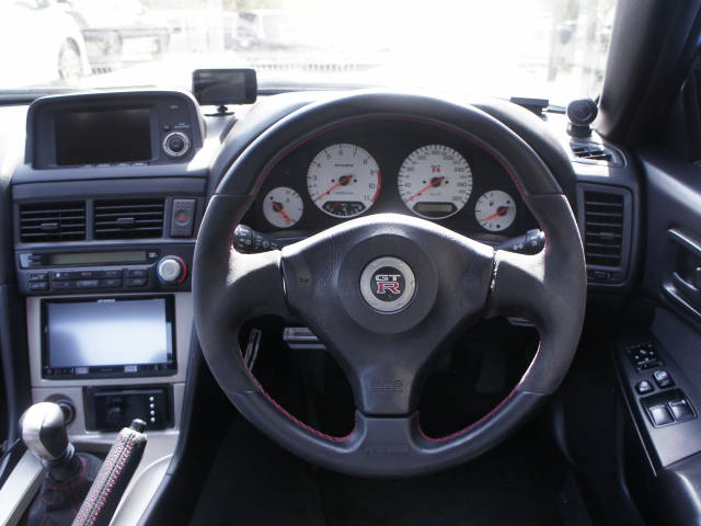 DRIVER'S DASHBOARD OF R34 GT-R V-SPEC.