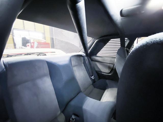 ROLL BAR INSTALLED R32 GT-R V-SPEC.