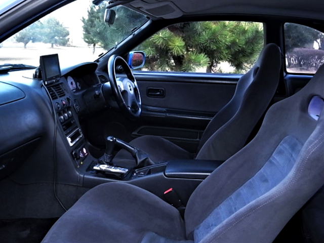 INTERIOR OF R33 GT-R LM-LIMITED.