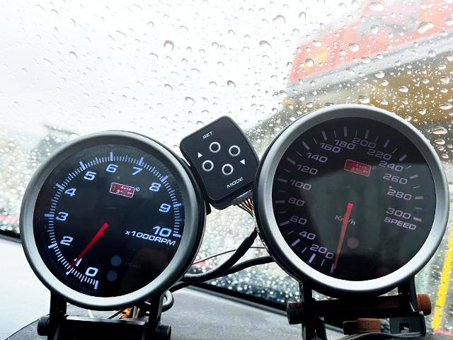 AUTOGAUGE RPM and SPEEDOMETER.
