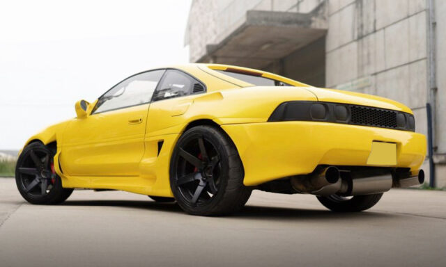 REAR EXTERIOR OF SW20 MR2 YELLOW.