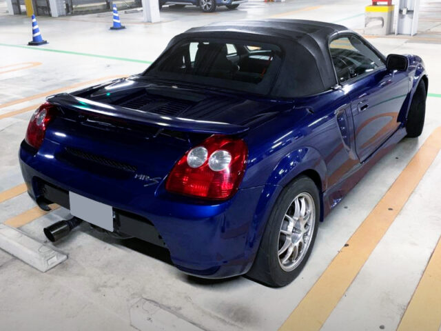 REAR EXTERIOR OF ZZW30 MR-S BLUE.