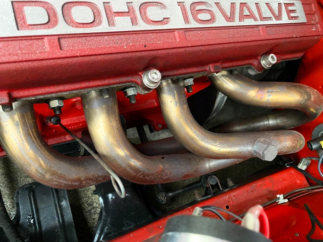 EXHAUST MANIFOLD ON FJ20 ENGINE.