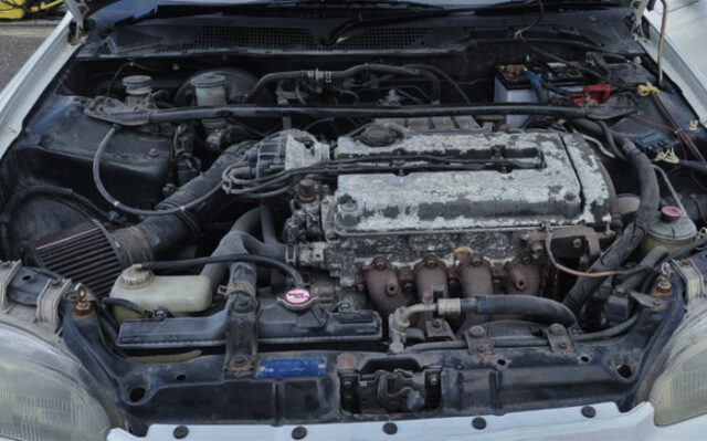 B18C VTEC ENGINE into EG6 CIVIC ENGINE ROOM.
