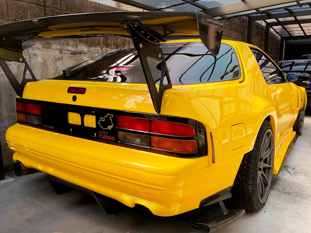 REAR EXTERIOR OF FC3S RX-7 WIDEBODY.