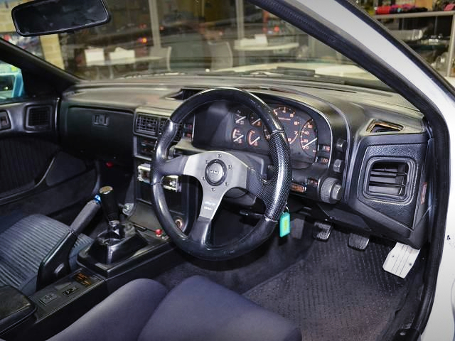 DRIVER'S DASHBOARD OF FC3S SAVANNA RX-7 GT-LIMITED.