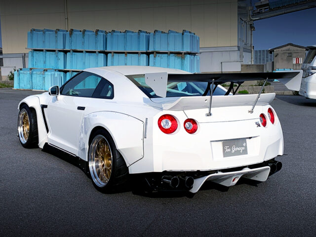 REAR EXTERIOR OF R35 GT-R with PANDEM WIDEBODY.