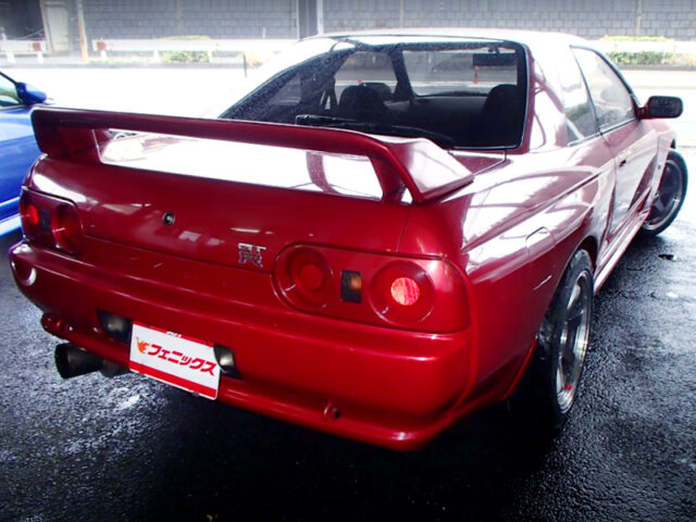 REAR EXTERIOR OF R32 GT-R RED.