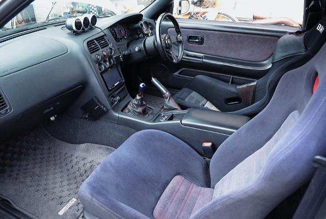 INTERIOR OF R33 GT-R V-SPEC.