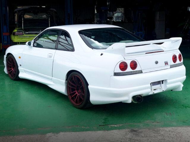 REAR EXTERIOR OF R33 GT-R.