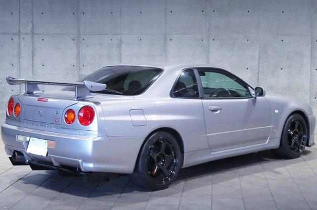 REAR EXTERIOR OF R34 GT-R V-SPEC.