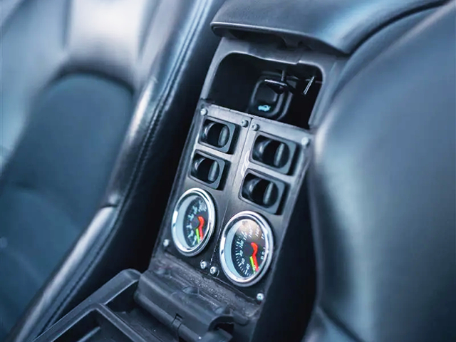 Air SUSPENSION SWITCHES and GAUGES.
