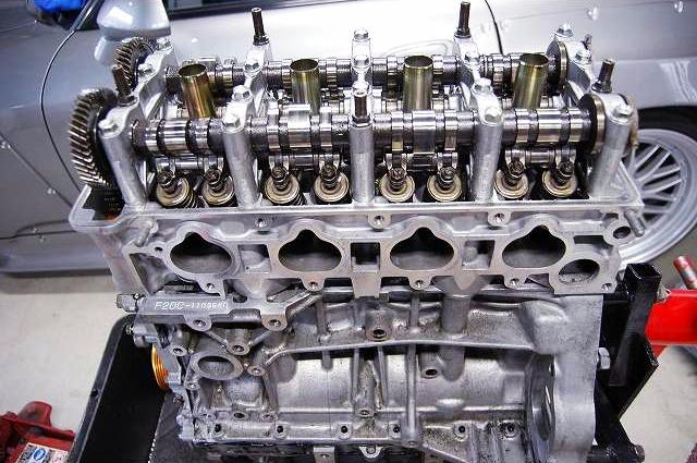 REBUILDING F20C VTEC ENGINE OF S2000.