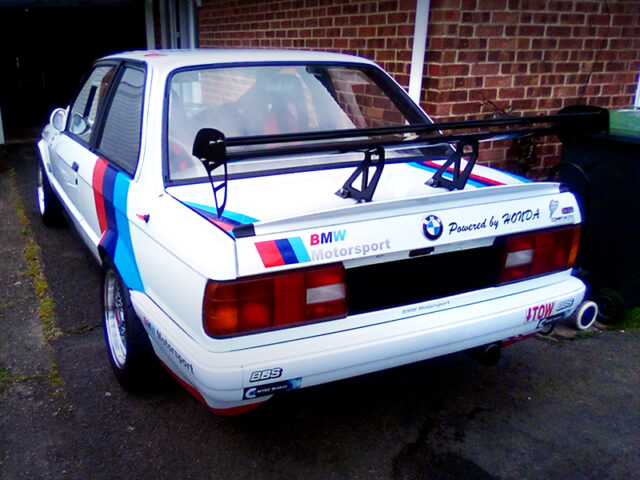 REAR EXTERIOR of E30 BMW 3-SERIES.