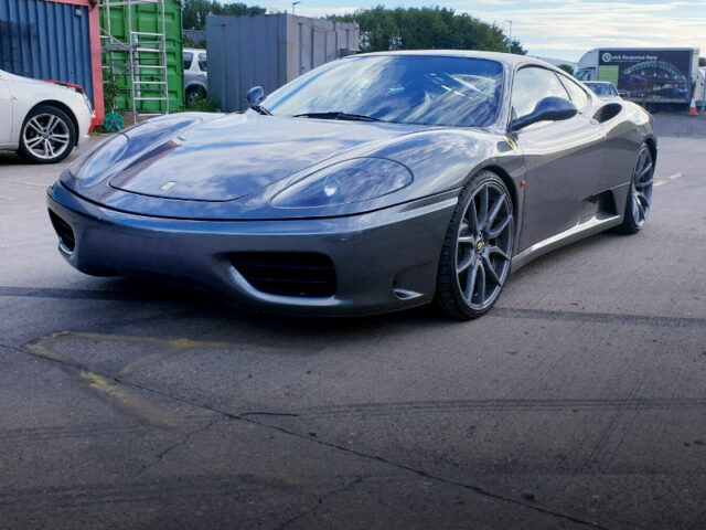 FRONT EXTERIOR OF 360 MODENA SILVER STONE GREY.