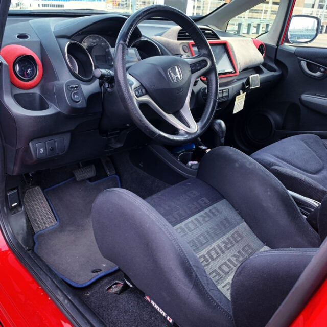 LEFT HAND DRIVE INTERIOR OF GE8 FIT SPORT.