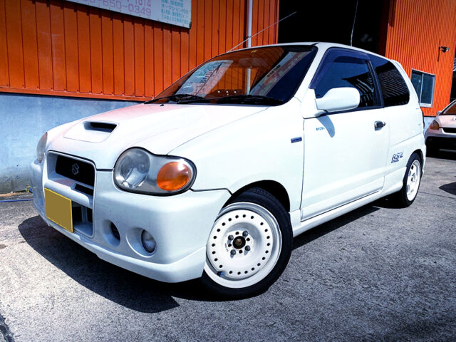 FRONT EXTERIOR OF HA22S ALTO WORKS RSZ.