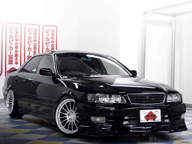 FRONT EXTERIOR OF JZX100 CHASER AVANTE BLACK.