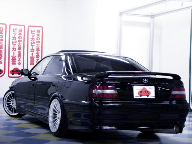 REAR EXTERIOR OF JZX100 CHASER AVANTE BLACK.