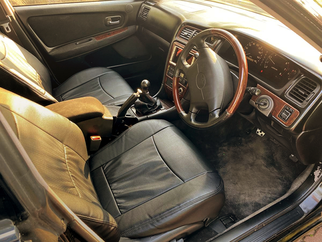 DRIVER'S DASHBOARD and GENUINE STEERING.