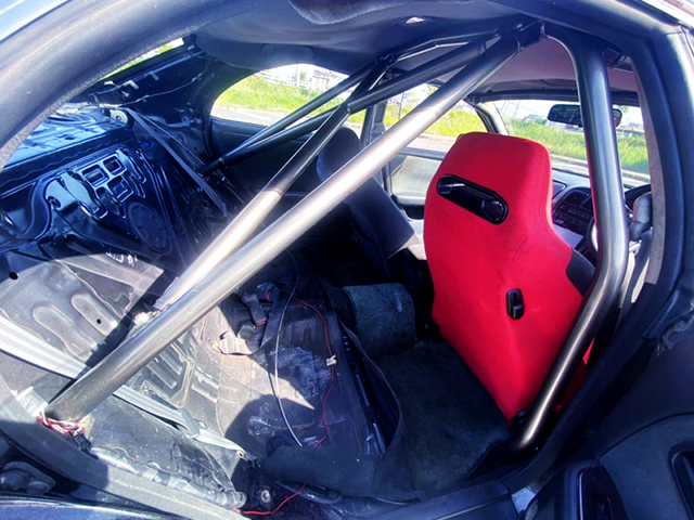 ROLL BAR and TWO-SEATER.