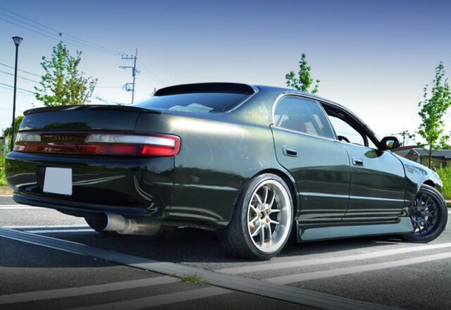REAR EXTERIOR OF JZX90 CHASER.