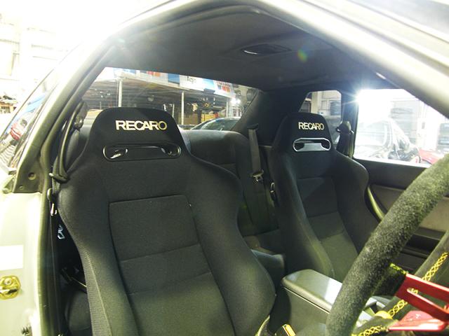RECARO SEATS.