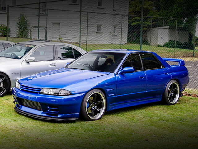 FRONT EXTERIOR OF R32 SKYLINE SEDAN with BAYSIDE BLUE.
