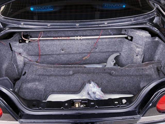TRUNK ROOM of R33 GT-R V-SPEC.