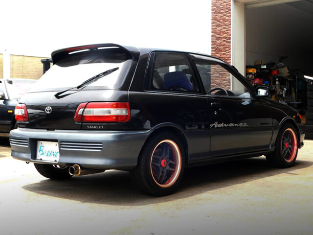 REAR EXTERIOR OF EP82 STARLET GT ADVANCE.