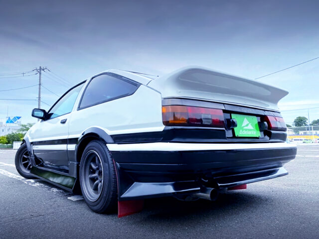 REAR EXTERIOR OF AE86 TRUENO GT-APEX.