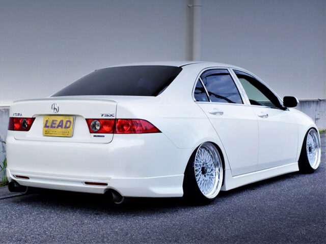 REAR EXTERIOR OF CL7 ACCORD EURO R.