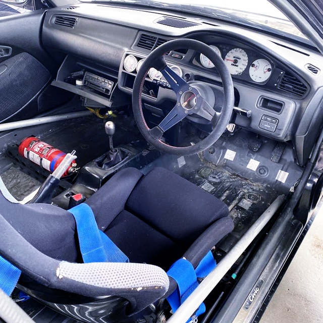 DRIVER'S DASHBOARD OF EG5 CIVIC INTERIOR.