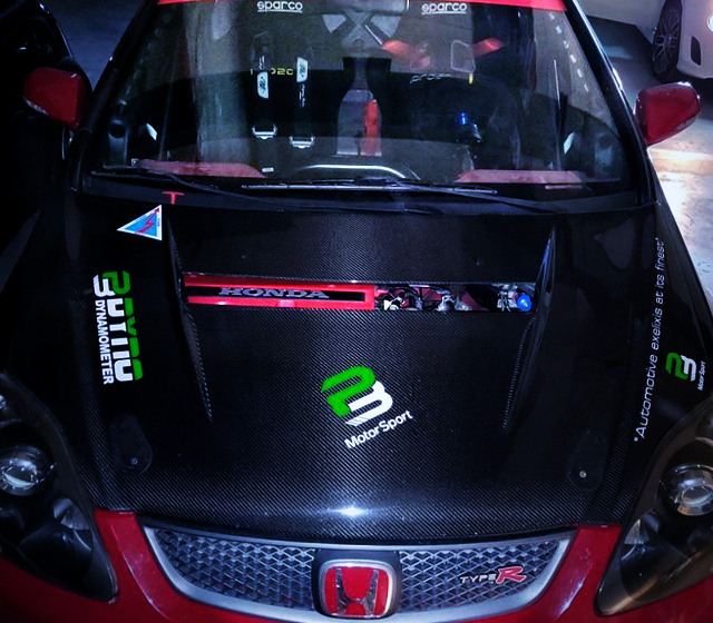 CARBON HOOD OF EP3 CIVIC TYPE-R.