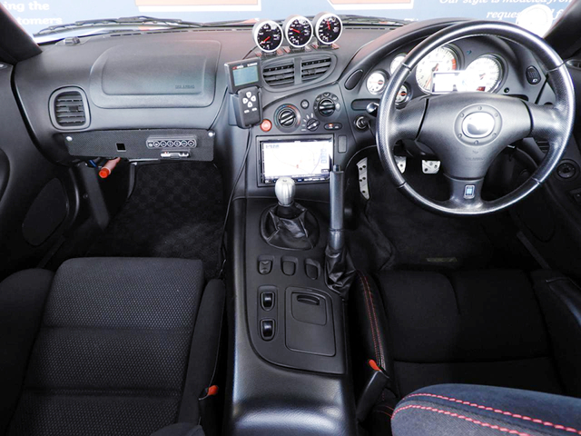 DASHBOARD OF FD3S RX-7 TYPE RB.