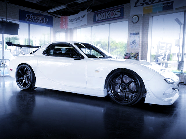 RIGHT-SIDE EXTERIOR OF FD3S RX-7 TYPE-RS to WHITE.