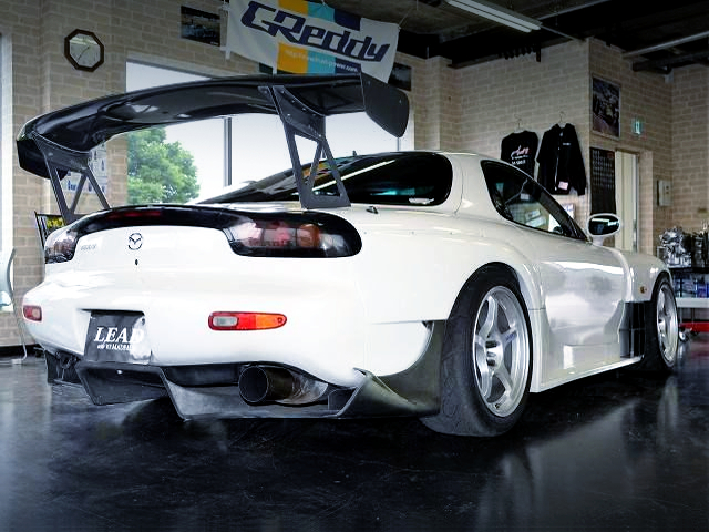 REAR EXTERIOR OF FD3S RX-7 TYPE-RS.