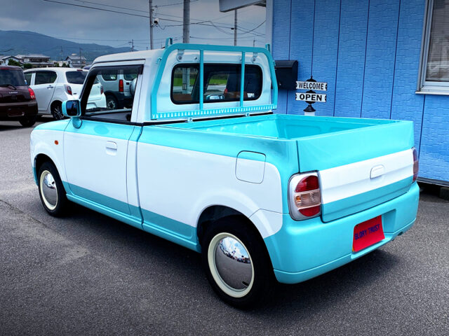 REAR EXTERIOR OF HE21S ALTO LAPIN PICKUP TRUCK.