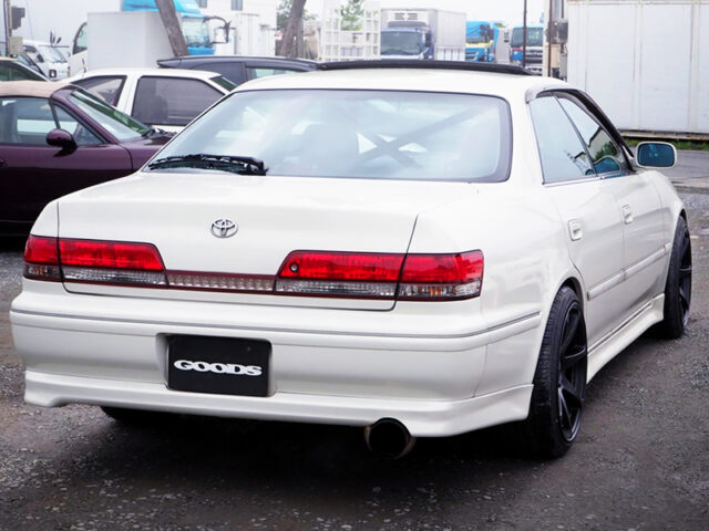 REAR EXTERIOR OF JZX100 MARK 2 TOURER-V to PEARL WHITE.