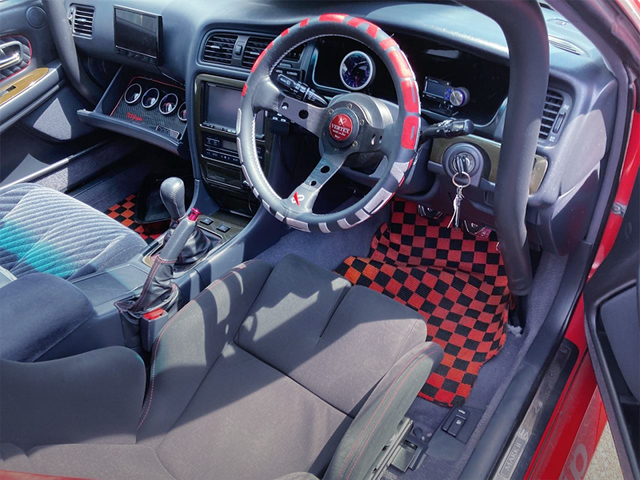 VERTEX STEERING and DASH AVOID ROLL CAGE.