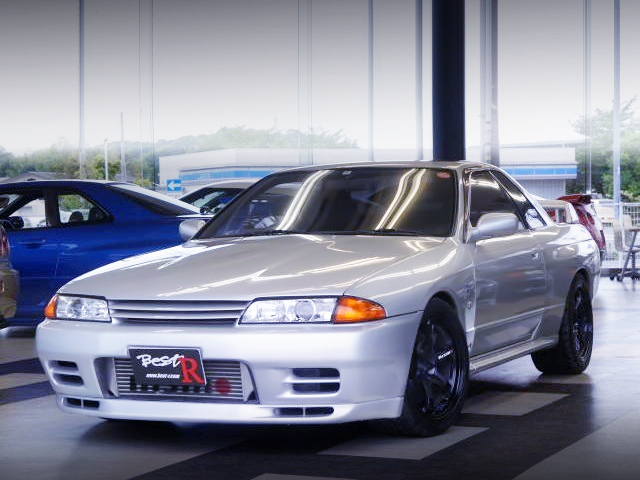 FRONT EXTERIOR OF R32GTR.