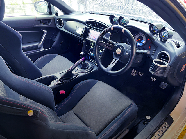 INTERIOR OF TOYOTA 86 GT.