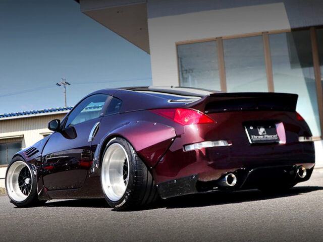 REAR EXTERIOR OF Z33 FAIRLADY Z With MAROON PAINT.