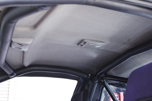 ROLL CAGE INSTALLED 180SX INTERIOR.