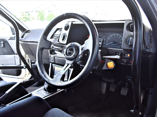 DRIVER'S DASHBOARD OF AE86 TRUENO.