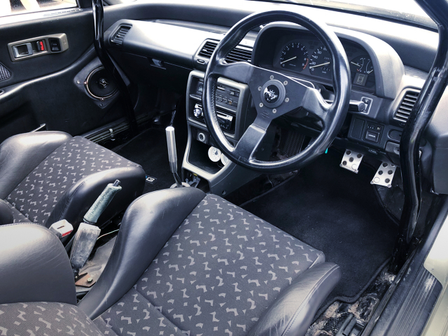 DASHBOARD AND STEERING OF EF9 CIVIC SiR.