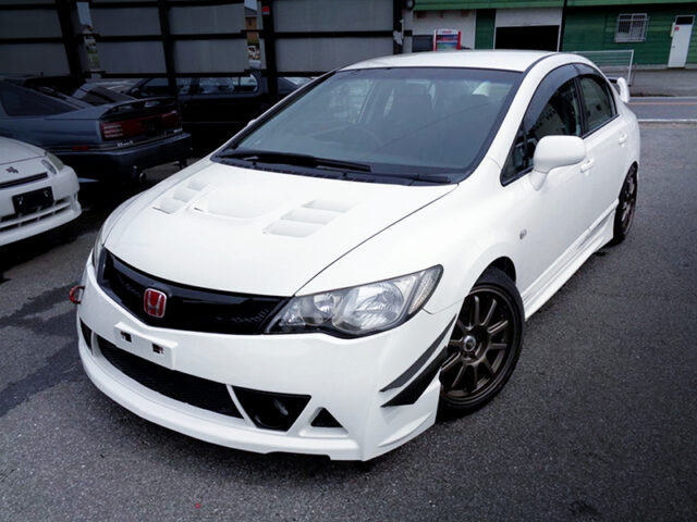 FRONT EXTERIOR OF FD2 CIVIC TYPE-R.